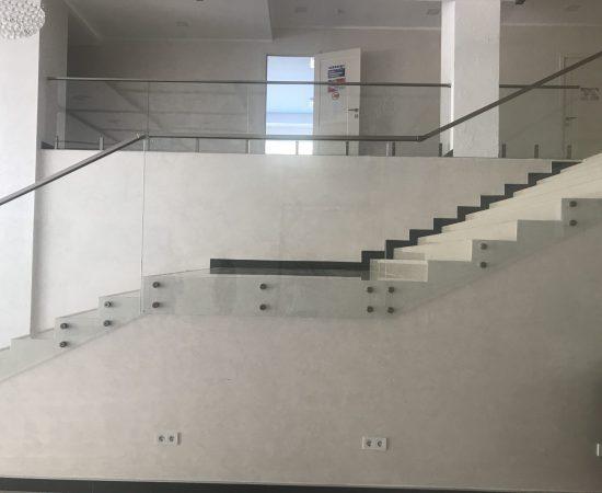Требования к перилам и поручням для эвакуационных лестниц