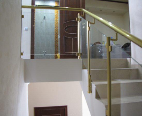 Как выбрать алюминиевые перила для лестницы?